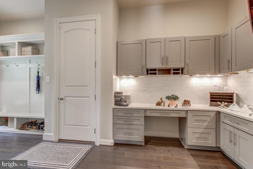 Dream mud room that can double as homework space! - 2327 DALE DR, FALLS CHURCH