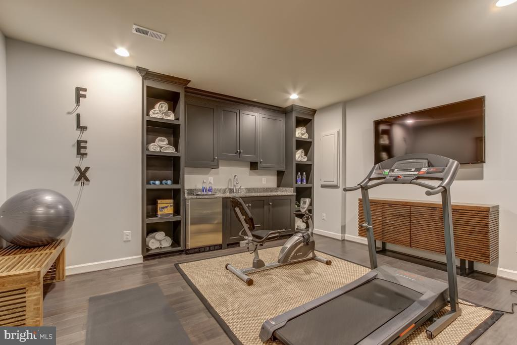 Exercise room dedicated to regular workouts - 2327 DALE DR, FALLS CHURCH