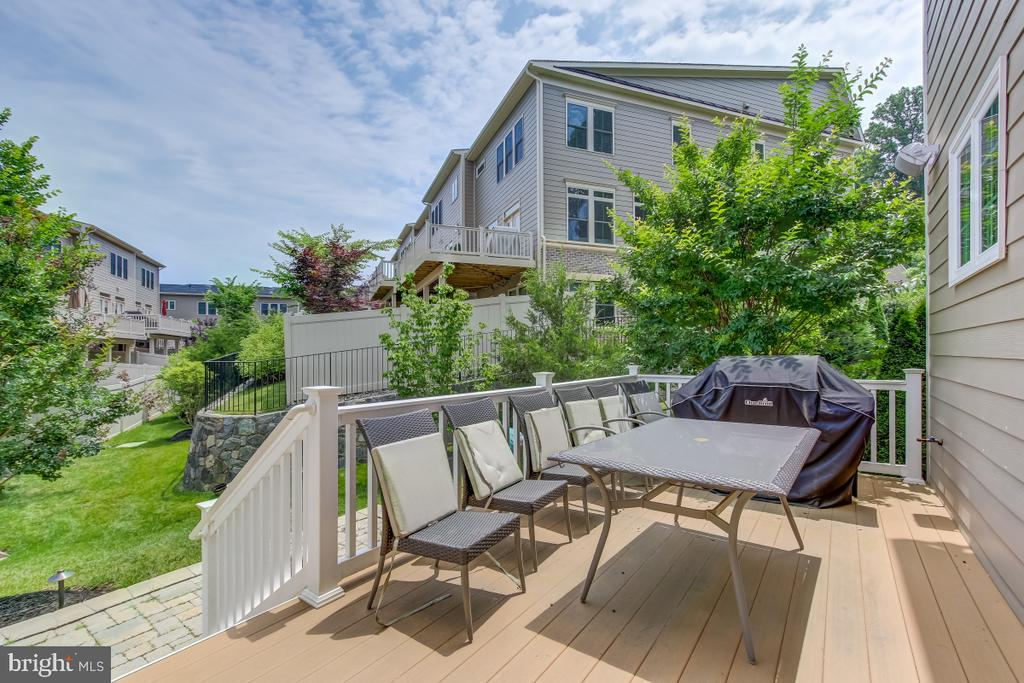 Outdoor relaxing on Trex deck for no maintenance - 2327 DALE DR, FALLS CHURCH