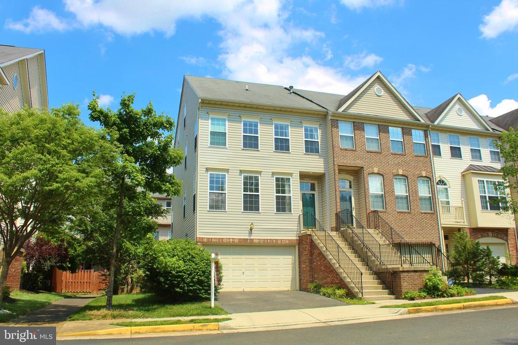 7713  MARTIN ALLEN COURT, one of homes for sale in Kingstowne