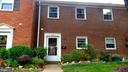 BRICK FRONT TOWNHOUSE/CONDO - 409 GREENBRIER CT #409, FREDERICKSBURG