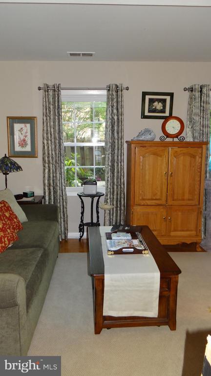 familyroom - 409 GREENBRIER CT #409, FREDERICKSBURG