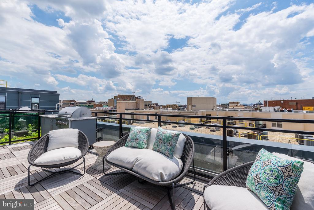 & separate lounging spaces w/ sweeping city views - 1427 RHODE ISLAND AVE NW #PH3, WASHINGTON