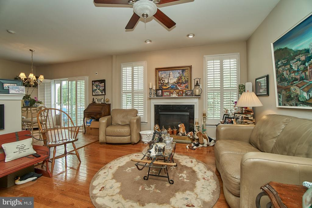 Family Room with Gas Fireplace - 5642 WHEELWRIGHT WAY, HAYMARKET