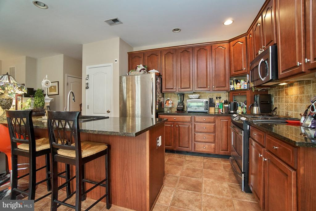 Stainless Steel Appliances - 5642 WHEELWRIGHT WAY, HAYMARKET