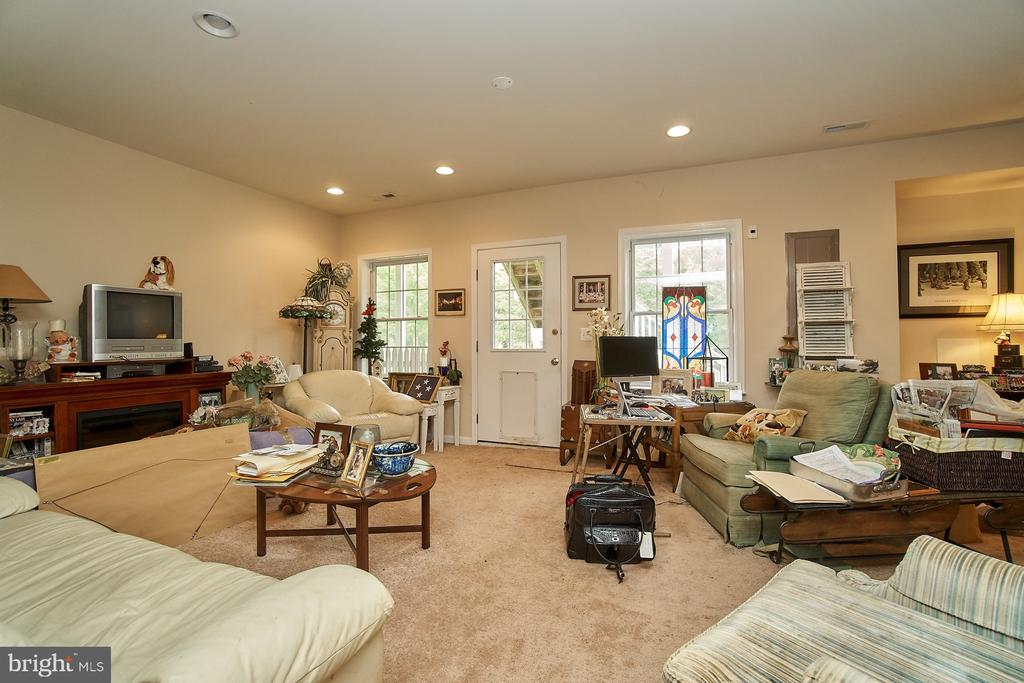 Lower Level Recreation Room - 5642 WHEELWRIGHT WAY, HAYMARKET