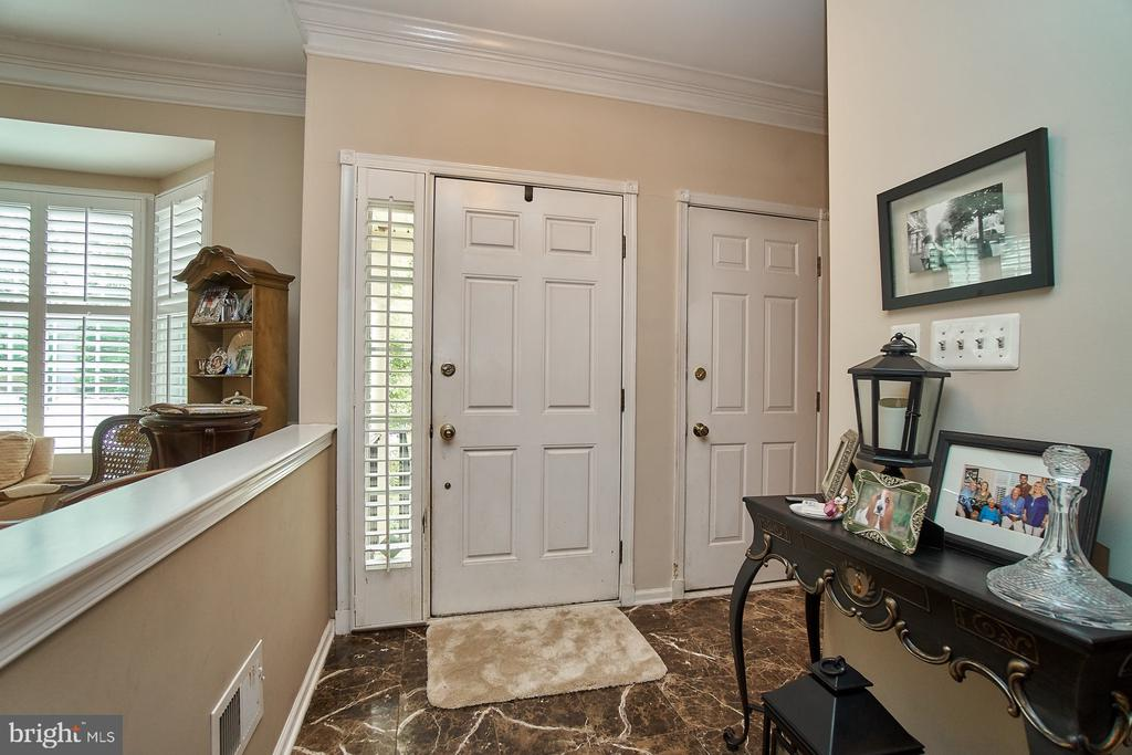 Entry Foyer - 5642 WHEELWRIGHT WAY, HAYMARKET