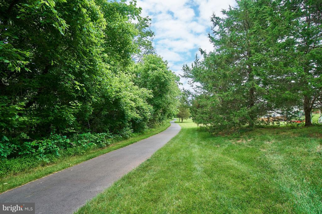 Walking Trails - 5642 WHEELWRIGHT WAY, HAYMARKET