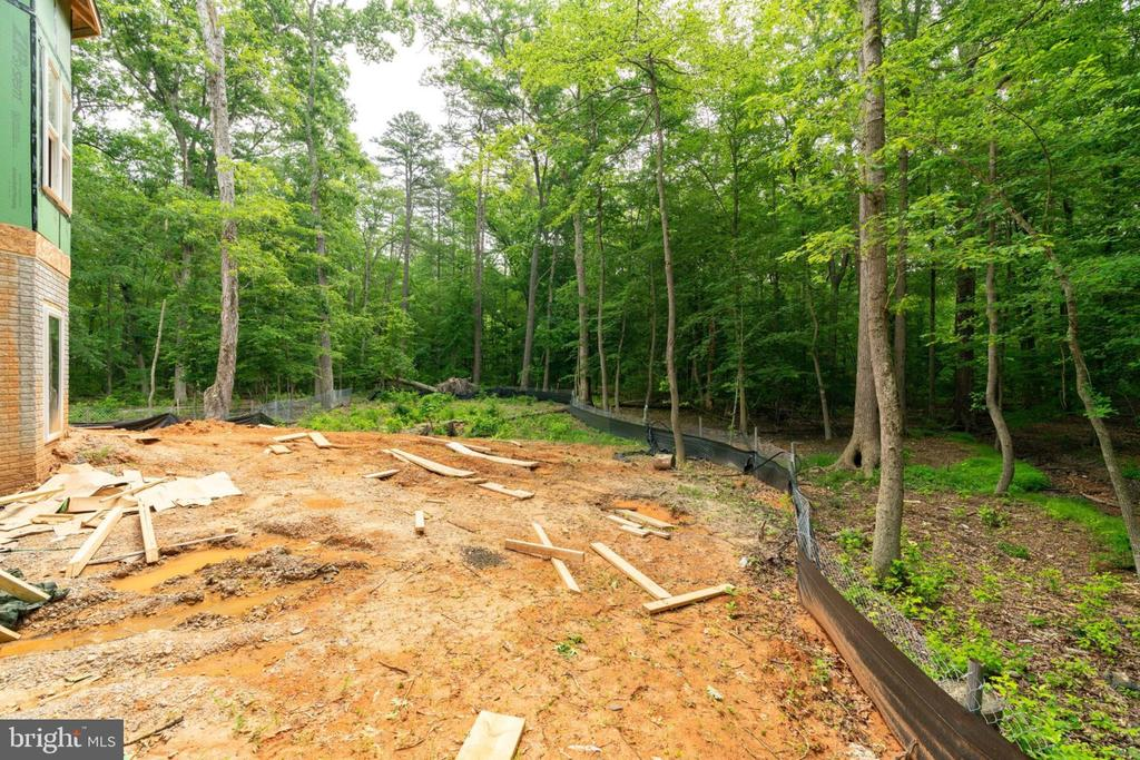 With complete privacy - 6040 BARBERRY TRL, LORTON