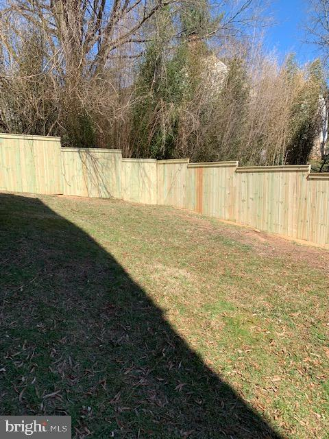 New fence! - 2313 POWHATAN ST N, ARLINGTON