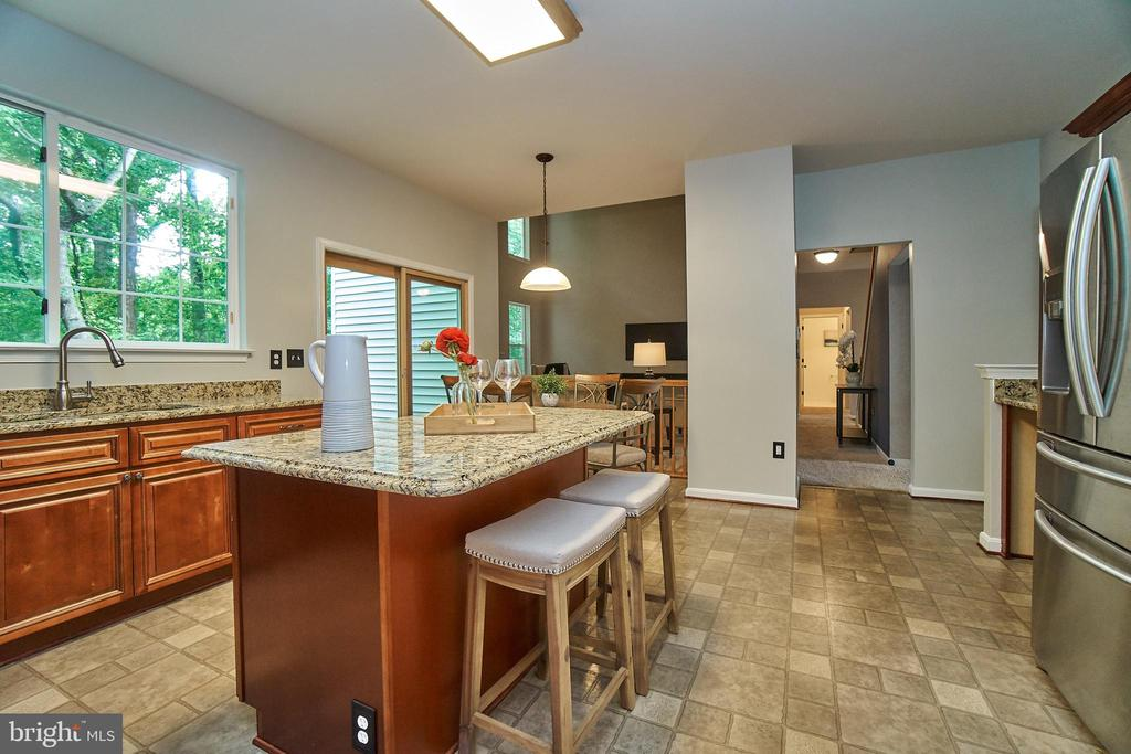 Both island and table space in kitchen - 9216 ZACHARY CT, MANASSAS PARK
