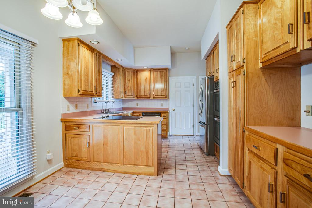 Kitchen - 118 RINGGOLD RD, FREDERICKSBURG