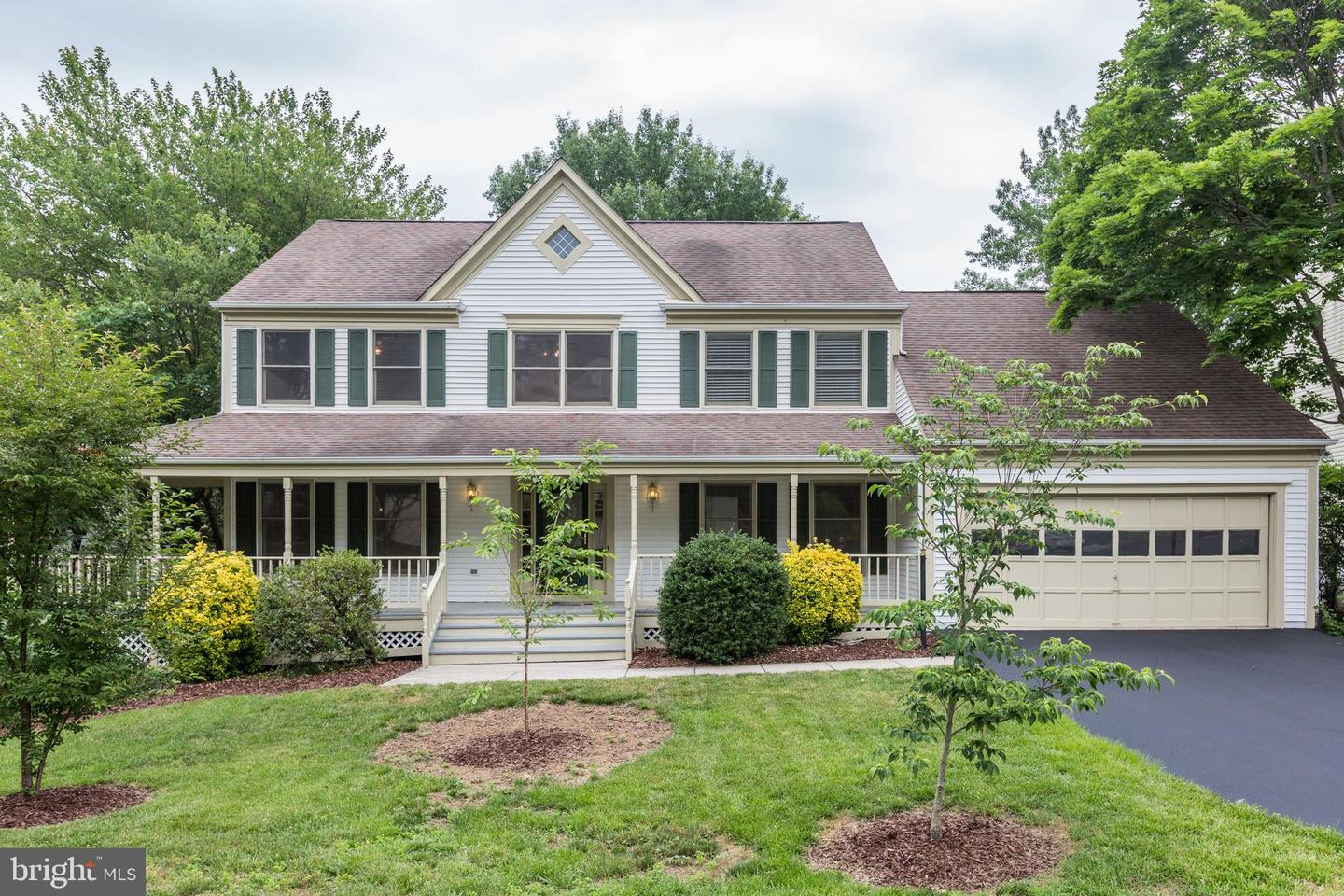 Single Family for Sale at 6103 Bluffdale Ct Clifton, Virginia 20124 United States