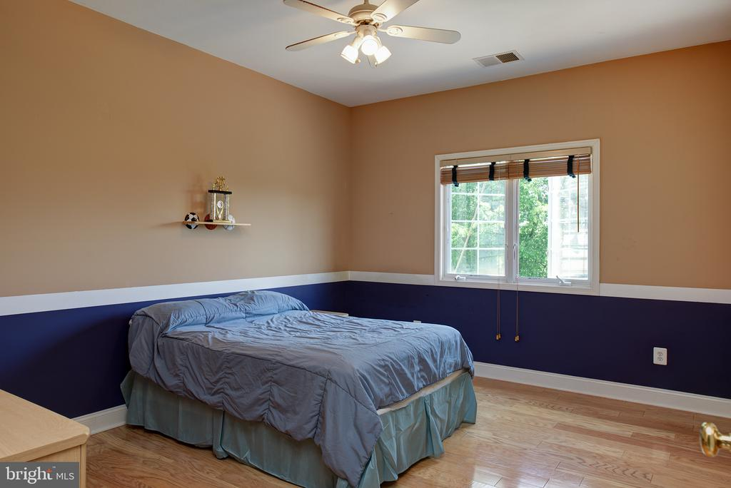 Large 4th bedroom! - 43872 ASHLAWN CT, ASHBURN