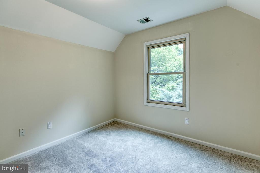 Separate Area perfect for nursery/office - 2316 HARPOON DR, STAFFORD