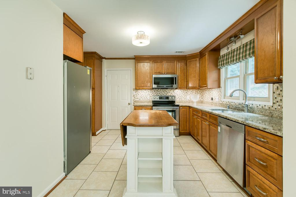 Stainless Appliances - 2316 HARPOON DR, STAFFORD