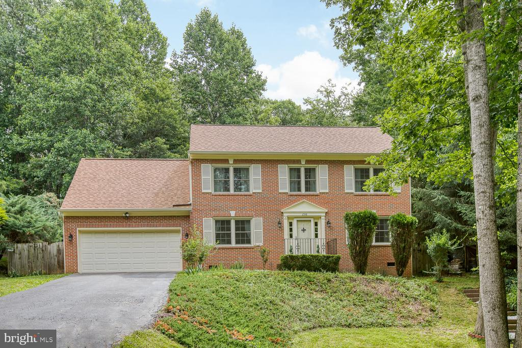 Colonial Brick Front - 2316 HARPOON DR, STAFFORD