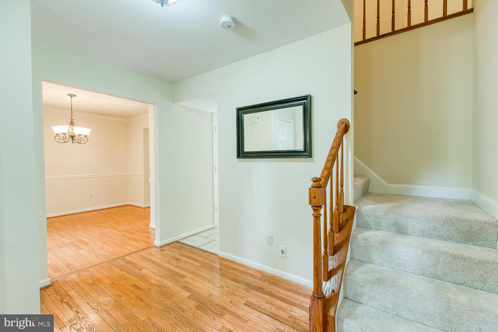 Hardwoods on main floor - 2316 HARPOON DR, STAFFORD