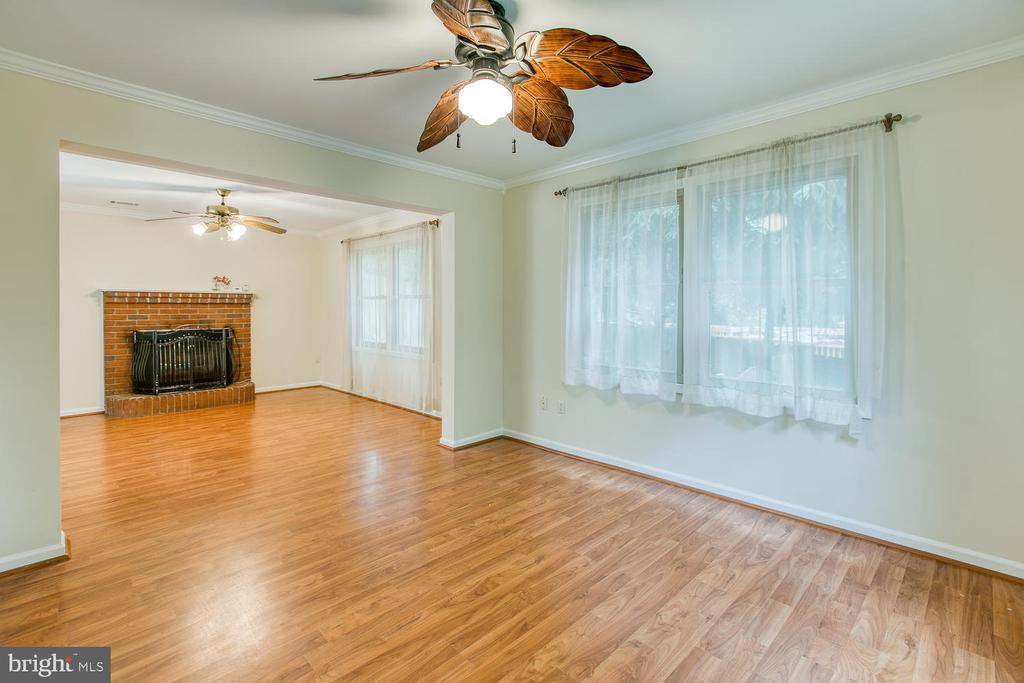 Open Concept Family Room - 2316 HARPOON DR, STAFFORD