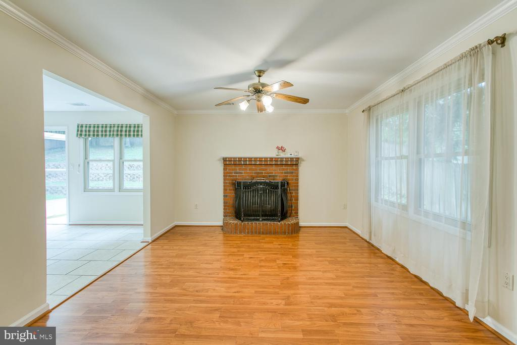 Family Room with Fireplace - 2316 HARPOON DR, STAFFORD