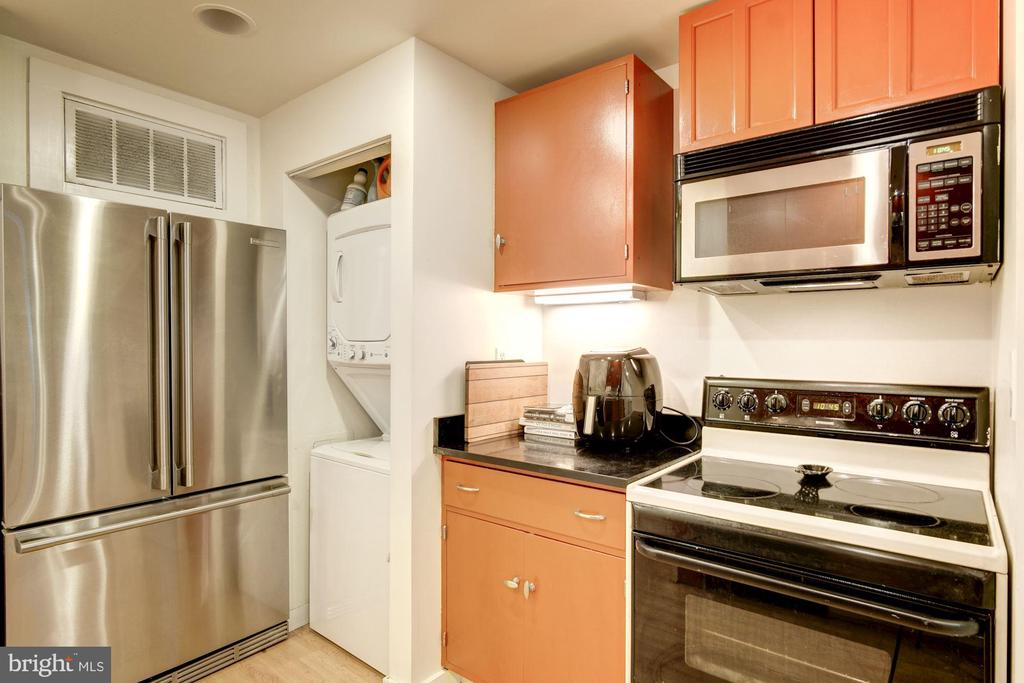 Stainless Steel Appliances - 1218 EUCLID ST NW, WASHINGTON