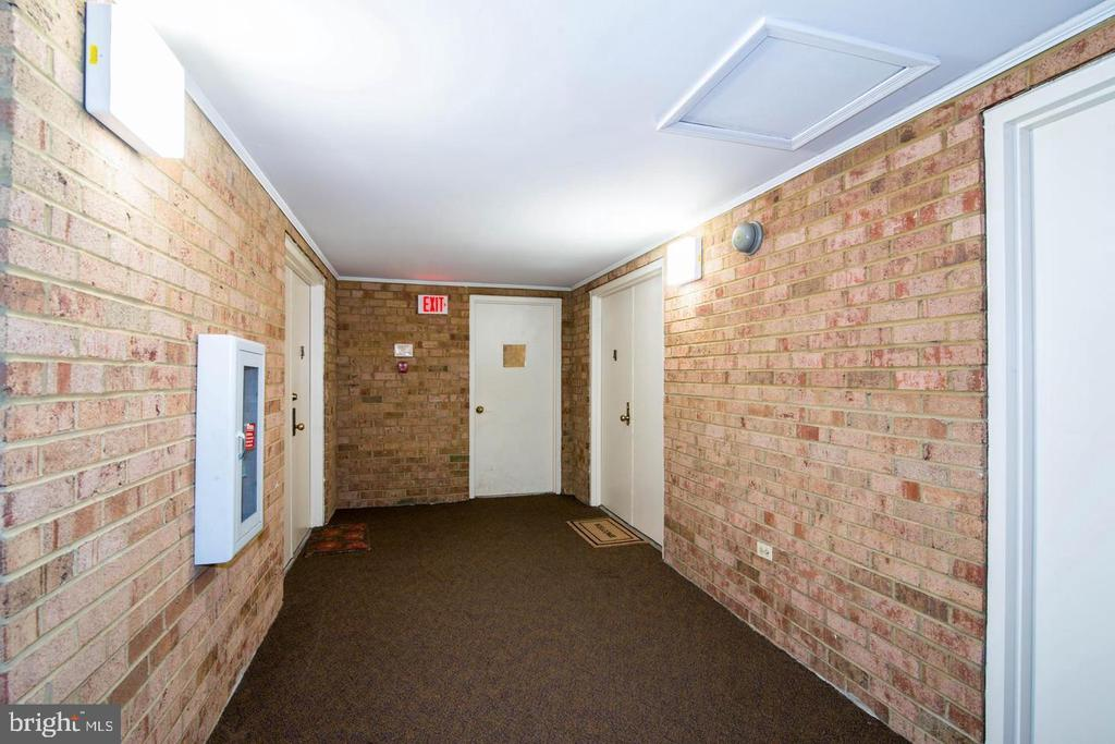 Outside unit - 13143 DAIRYMAID DR #303, GERMANTOWN