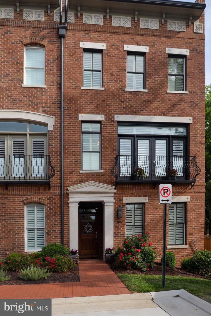 Fredericksburg                                                                      , VA - $1,000,001