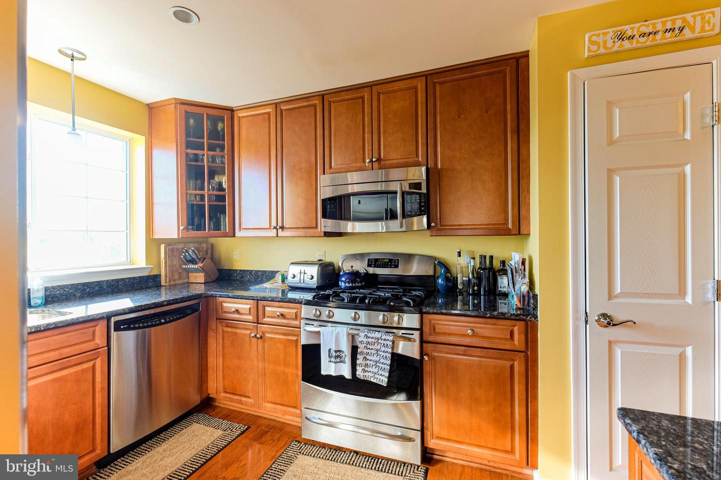 other residential homes for Rent at 4139 S Four Mile Run Dr #402 Arlington, Virginia 22204 United States