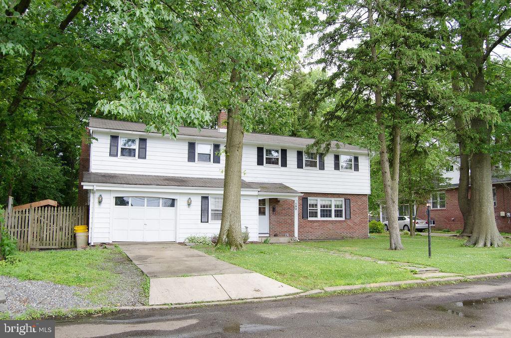 Single Family Homes per Vendita alle ore Barrington, New Jersey 08007 Stati Uniti