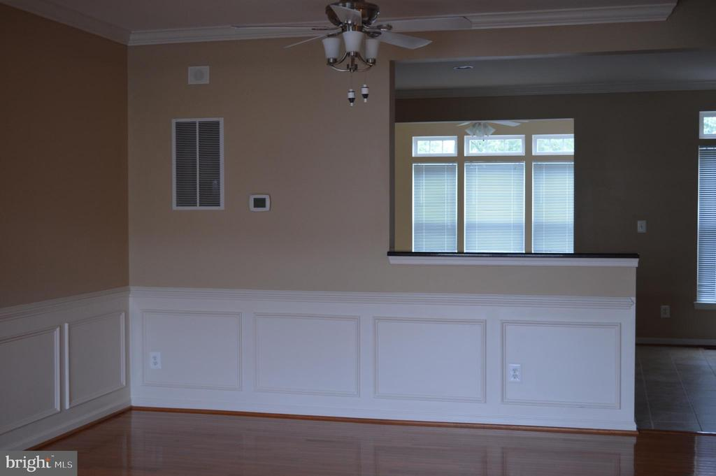 Formal Dining Room with ceiling fan - 210 MONROE POINT DR, COLONIAL BEACH