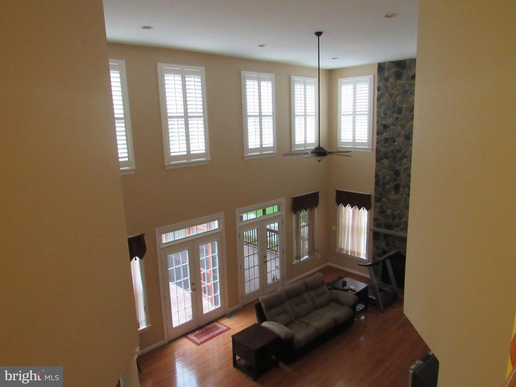 Great Room View - 42677 EMPEROR DR, BRAMBLETON