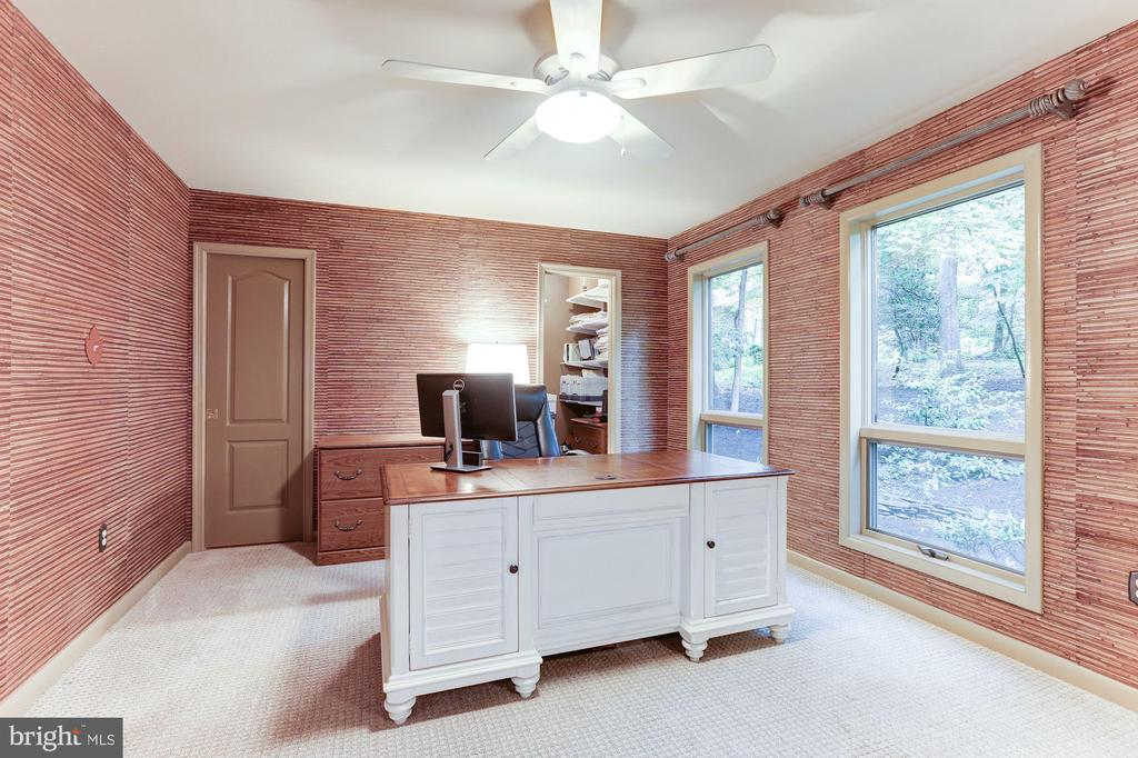 First floor bedroom - 11583 LAKE NEWPORT RD, RESTON