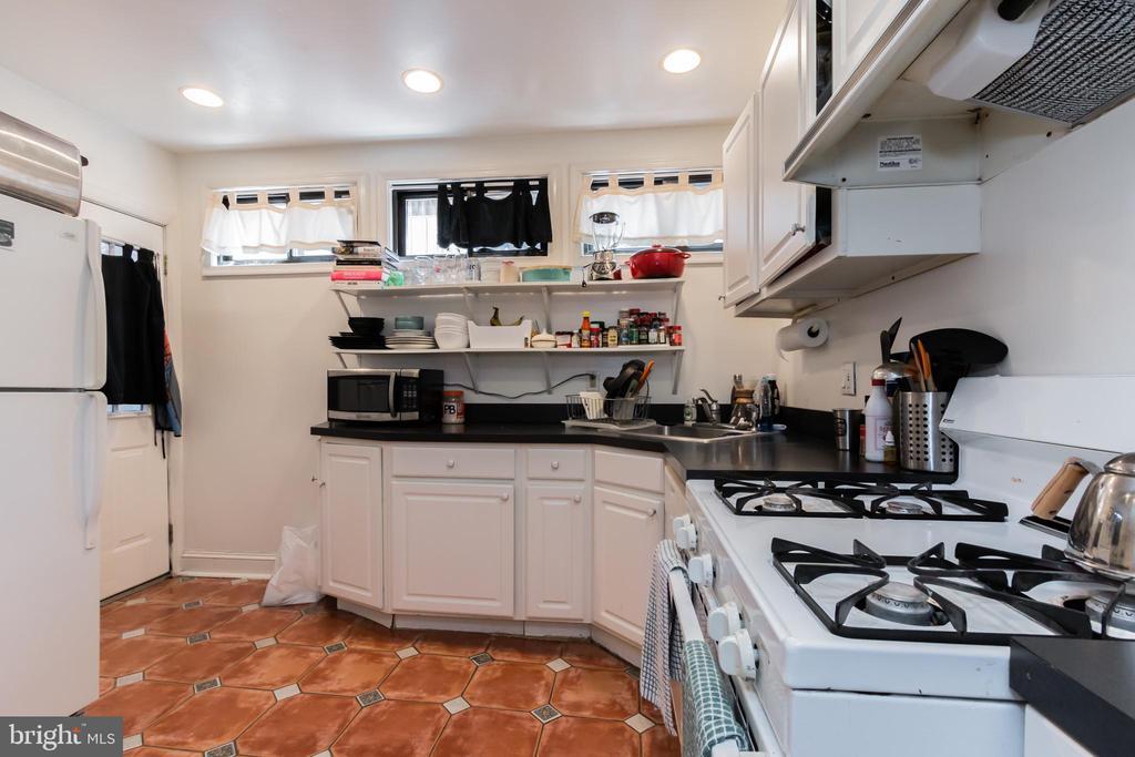 Basement level kitchen - 2108 O ST NW, WASHINGTON