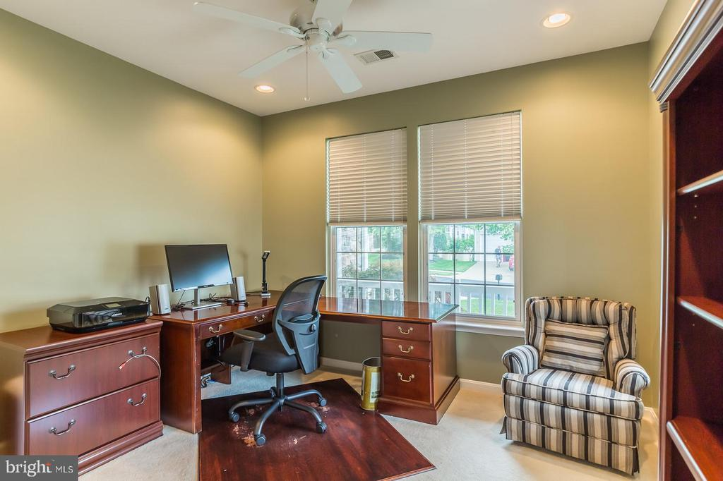 Fourth Bedroom Used as Office - 3944 SOLSTICE LN, DUMFRIES