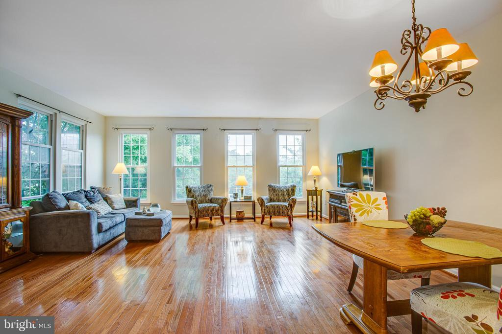 Sunlight from  windows makes the hardwood gleam - 8539 BERTSKY LN, LORTON
