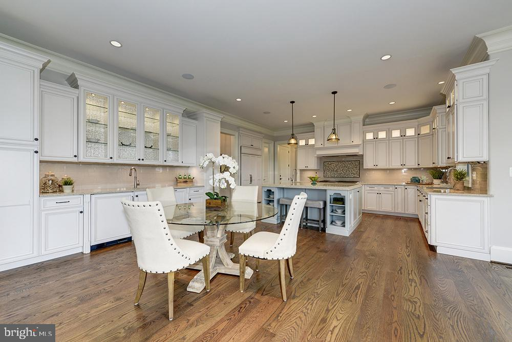 Montvale Kitchen (not the actual home)~ - 40559 GROGAN CT, LEESBURG