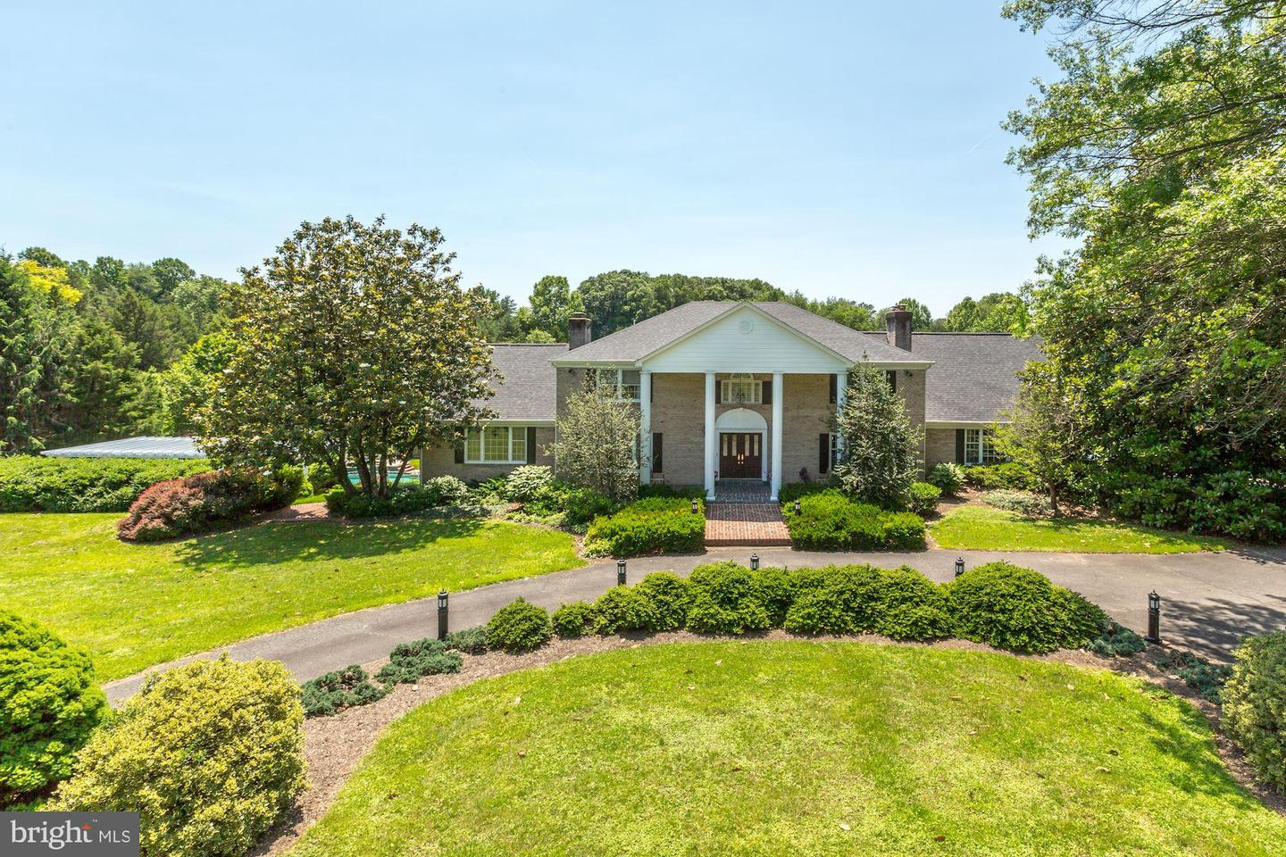 Single Family for Sale at 6704 Clifton Rd Clifton, Virginia 20124 United States