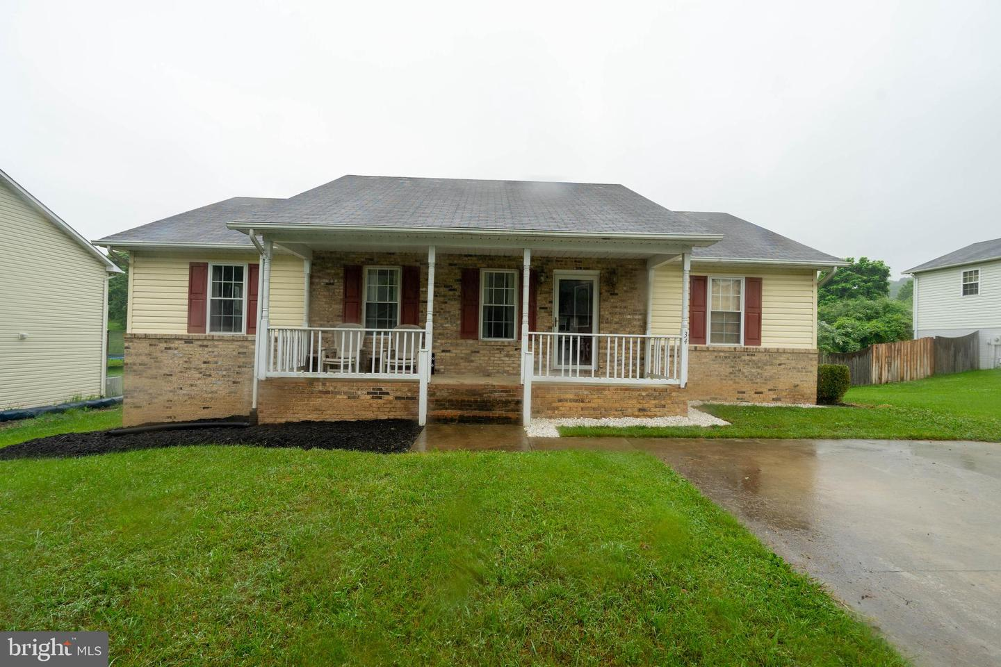 Single Family for Sale at 34 Westminster Dr Front Royal, Virginia 22630 United States