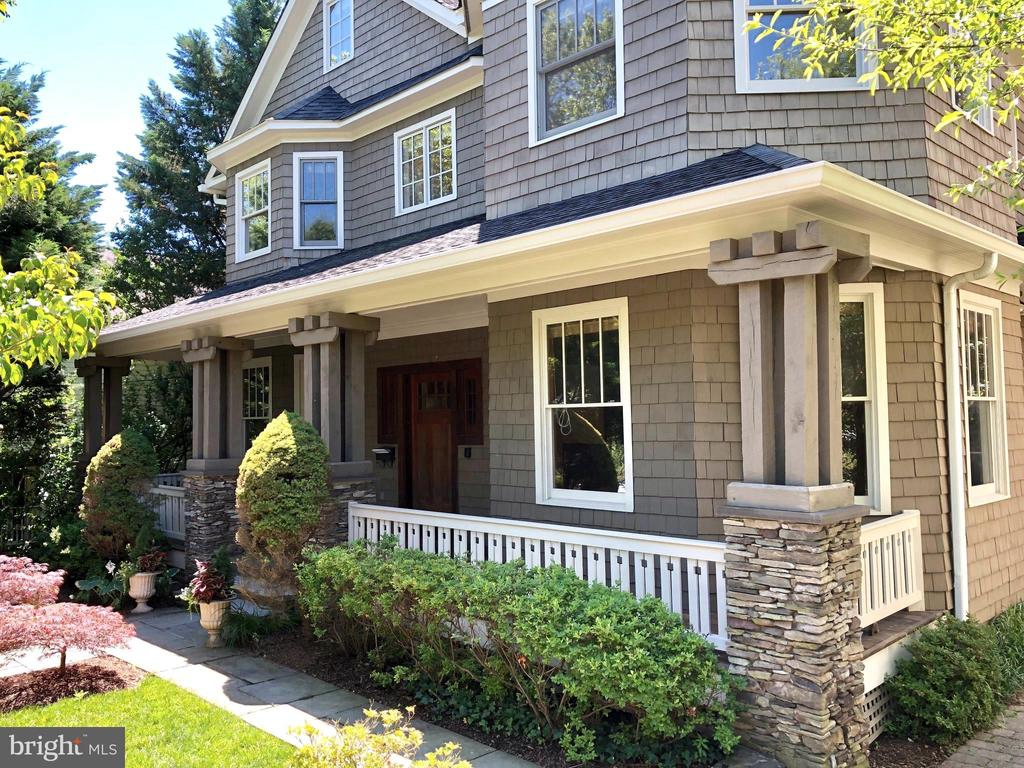 Exquisite detailing - 4412 WALSH ST, CHEVY CHASE