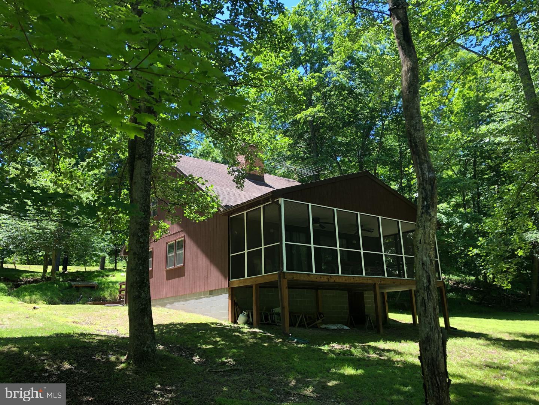 Single Family Homes のために 売買 アット Great Cacapon, ウェストバージニア 25422 アメリカ
