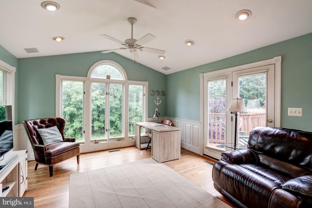 Perfect for a cup of coffee, a book or just a view - 43131 WEATHERWOOD DR, ASHBURN
