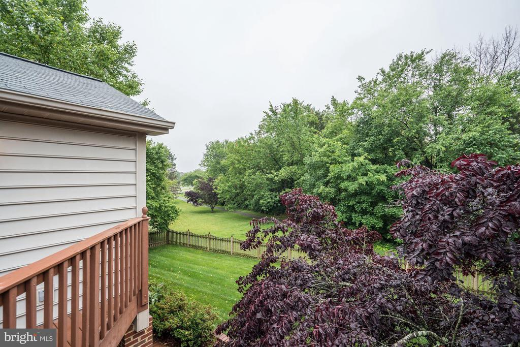 - 43131 WEATHERWOOD DR, ASHBURN