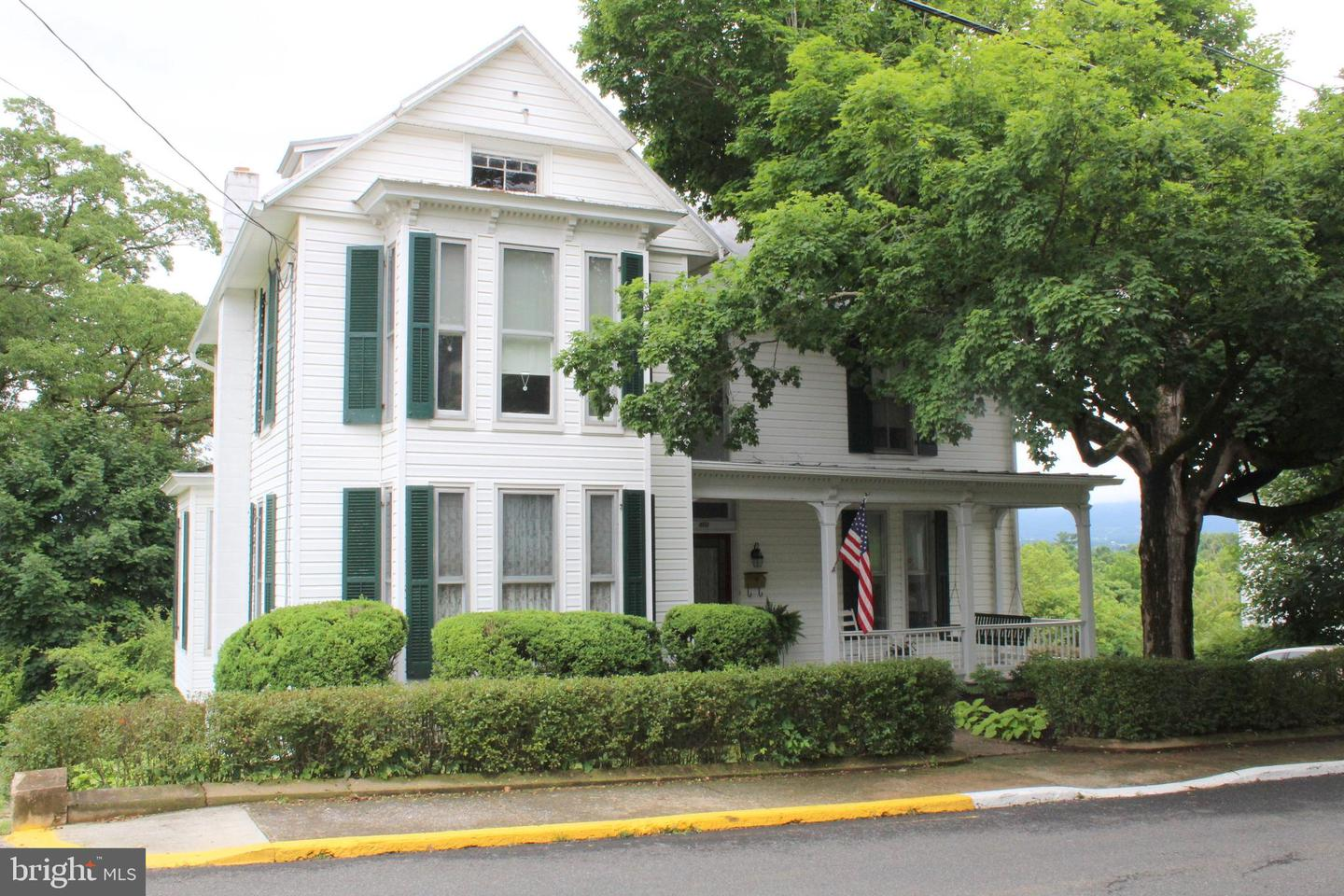 Single Family for Sale at 123 S Court St Luray, Virginia 22835 United States