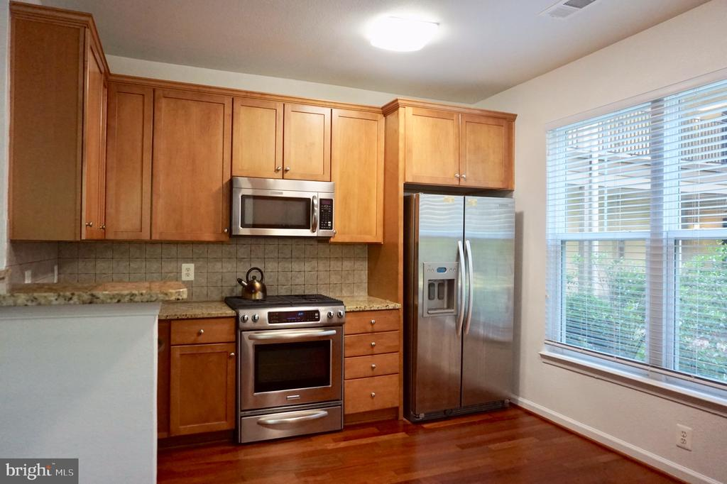 Upgraded appliances - 11750 OLD GEORGETOWN RD #2135, ROCKVILLE