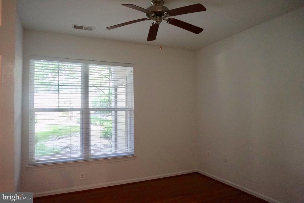 3rd bedroom - 11750 OLD GEORGETOWN RD #2135, ROCKVILLE
