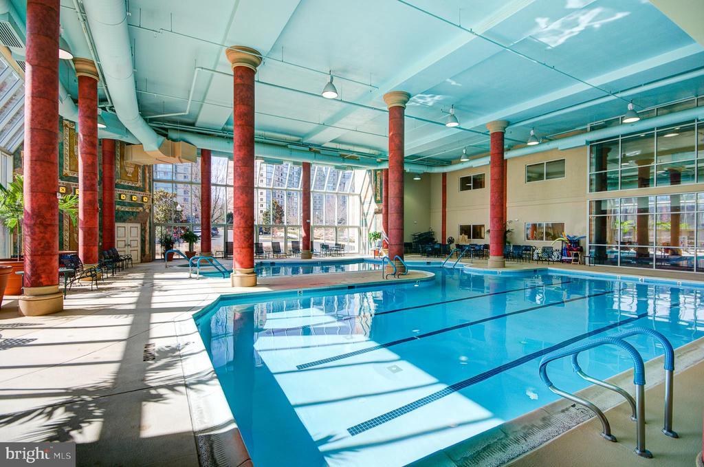 Community indoor pool - 19355 CYPRESS RIDGE TER #823, LEESBURG