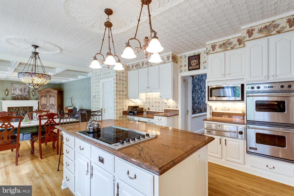 Viking Wall Ovens and Warming Drawer. - 11256 WAPLES MILL RD, OAKTON