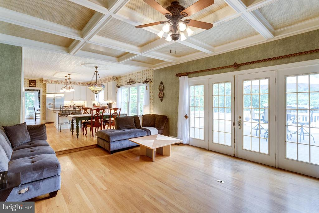 Coffered Ceiling in Family Room. - 11256 WAPLES MILL RD, OAKTON