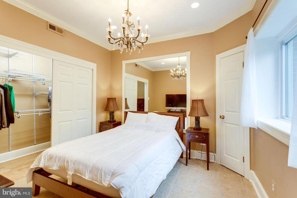 5th Bedroom. - 11256 WAPLES MILL RD, OAKTON