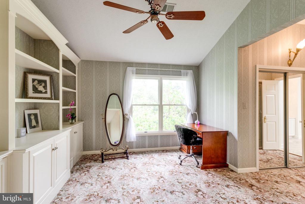Master Bedroom Dressing Room. - 11256 WAPLES MILL RD, OAKTON